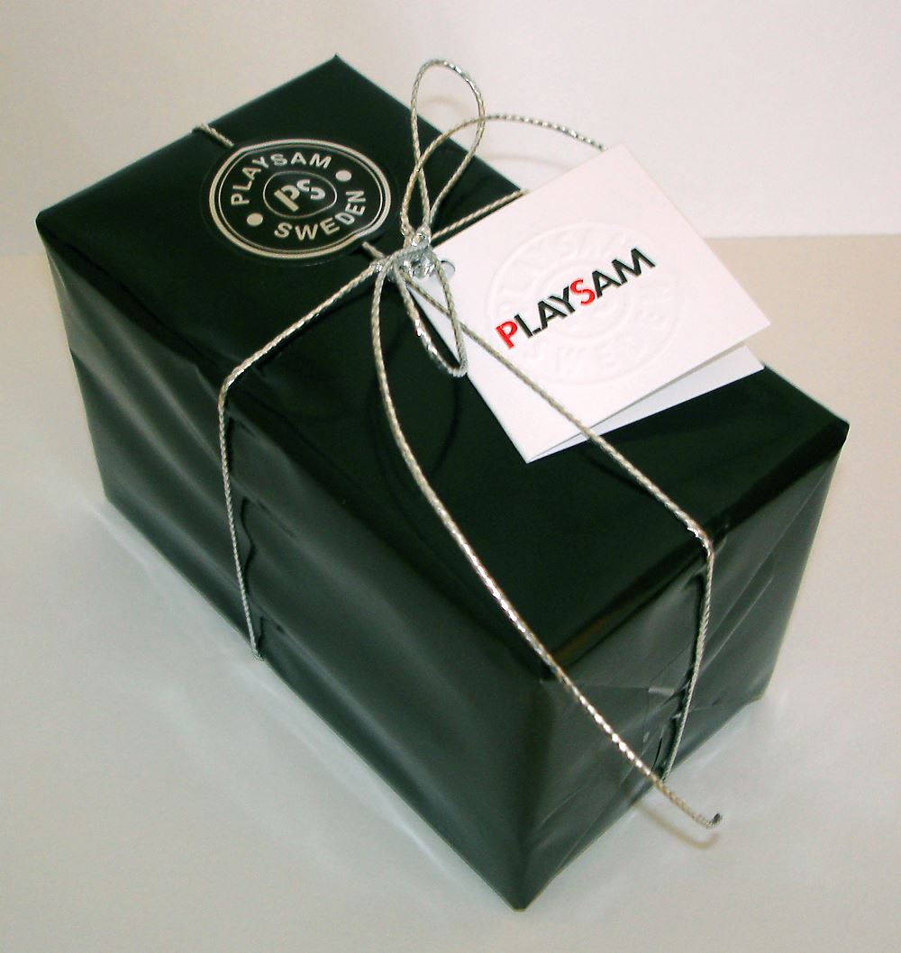 Playsam gift wrapping - Black standard gift wrapping